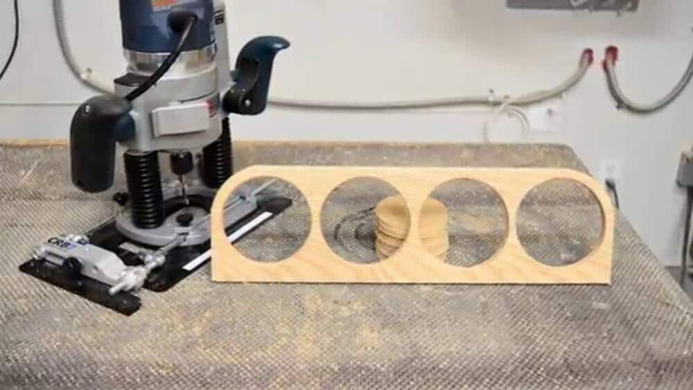 Router jig for cutting wood circles.